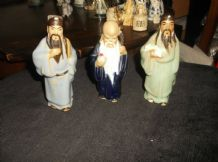 3 X CHINESE FIGURINES ELDERS 2 X SOFT GLAZED ROBES 1 X MUDMAN COBALT ROBE TLC